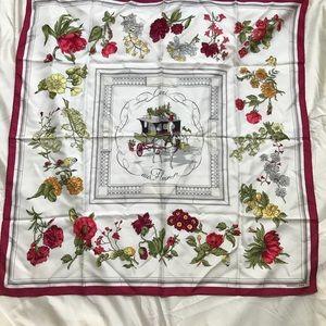 "*RARE* Pristine Hermès ""Quai aux Fleurs"" scarf"